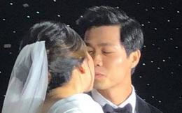 """Lộ ảnh Công Phượng hôn Viên Minh, fan nô nức vào thả tim cho """"một cặp trời sinh"""""""