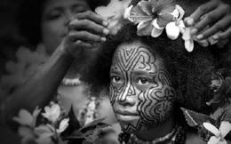 """Kỳ lạ bộ tộc phụ nữ không xăm mình bị """"ế"""" chồng"""