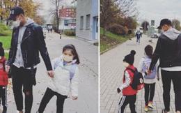 """Kỳ Hân hạnh phúc chia sẻ hình ảnh Mạc Hồng Quân đưa con đi học sau bao ngày """"trốn"""" vì sợ dịch bệnh"""