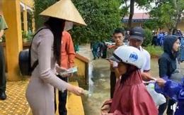 Thủy Tiên dừng phát tiền vì thấy người nhận cứu trợ đeo vàng, lãnh đạo huyện nói 'đây là sự cố đáng tiếc gây hiểu nhầm'