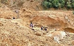Nhiều điểm sạt lở núi nguy hiểm ở Quảng Ngãi