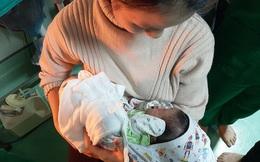 Vụ bé sơ sinh trong thùng rác nhà vệ sinh: Không có chuyện nhét giấy vào miệng con