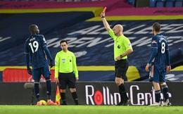 """Arsenal """"chết hụt"""" sau tấm thẻ đỏ ngớ ngẩn; người cũ MU mở đường chiến thắng cho Liverpool"""