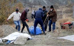 Ảnh: Người dân Armenia thu dọn, rút khỏi vùng lân cận Nagorno-Karabakh
