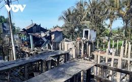 """Bà """"hỏa"""" thiêu rụi 7 căn nhà ở thành phố Châu Đốc, An Giang"""