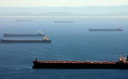 """Trung Quốc """"giam lỏng"""" hơn 50 tàu chở than để trả đũa Úc"""