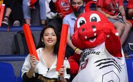 Lạc vào rừng trai đẹp bóng rổ, Cara Phương đặc biệt quan tâm tới cầu thủ điển trai nhà Thang Long Warriors