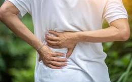 Đau lưng nên đi khám, người đàn ông bỗng phát hiện ra điều khó tin, bác sĩ cũng phải giật mình