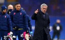 """Mourinho khóa chặt """"đại bác nhiều nòng"""" của Chelsea, đoạt lại ngôi đầu Premier League"""