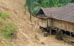 Quảng Ngãi: Khẩn cấp di dời hàng trăm người dân vùng sạt lở núi