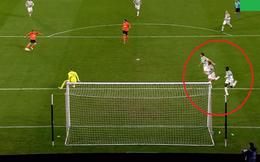 """Hai tấm hình """"1 giây trước thảm họa"""" khiến fan Man United cười ra nước mắt, ám ảnh khôn nguôi"""