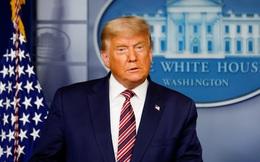 """""""Phiếu ở đâu cứ tự nhiên xuất hiện,"""" ông Trump tuyên bố thắng dễ dàng nếu tính phiếu hợp lệ"""