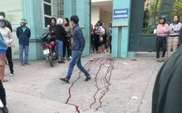 Phụ huynh dùng dao gây thương tích trước cổng trường ở Hạ Long do va quệt xe máy