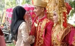 Chú rể thản nhiên ôm người yêu cũ ngay trong đám cưới, cô dâu tức tái mặt