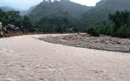 Lại xảy ra sạt lở vùi lấp 14 nhà dân, một ngôi trường ở Quảng Nam