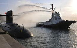 Tàu ngầm Hải quân Trung Quốc đang đón lõng, hải quân Mỹ đối mặt với nguy hiểm