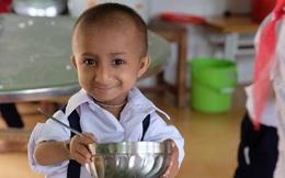 Cậu bé tí hon nhất Việt Nam vừa qua đời sau nhiều ngày nằm viện