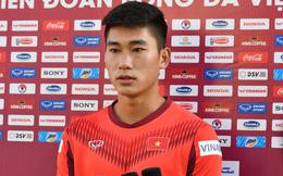 Vì sao tiền đạo Viettel được HLV Park Hang-seo thử nghiệm đá trung vệ?