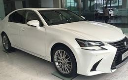 Tìm chủ sở hữu ôtô Lexus trắng