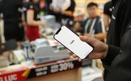 iPhone 12 Series chính hãng 'cháy hàng' tại Việt Nam
