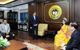 Phía Hoa hậu Đỗ Thị Hà chính thức lên tiếng về hình ảnh ngồi khi thầy giáo đứng báo cáo gây tranh cãi