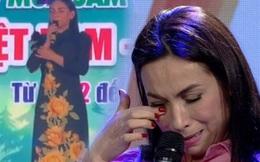 Clip: Đang biểu diễn, Phi Nhung bật khóc nghẹn ngào trên sân khấu vì biết tin NS Chí Tài qua đời