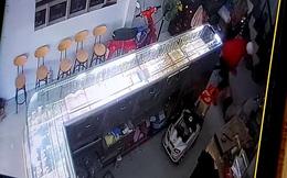 Nam thanh niên che mặt vào tiệm vàng đánh thương tích chủ tiệm