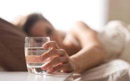 Uống 1 cốc nước ấm ngay sau khi quan hệ tình dục: Vì sao là việc rất cần thiết?