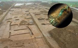 Xâm nhập mộ cổ 4.000 năm tuổi, phát hiện 'siêu bảo vật quốc gia' phát sáng kỳ lạ giữa hầm tối