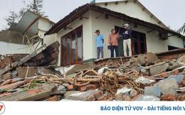 Hết dịch Covid-19 đến bão tàn phá, chủ nhà hàng ven biển Hội An bỏ bê hàng quán