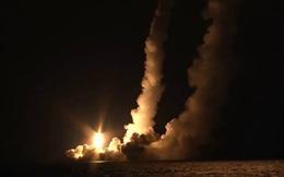 Uy lực tàu ngầm hạt nhân Nga phóng loạt 4 tên lửa có thể thổi bay cả một quốc gia