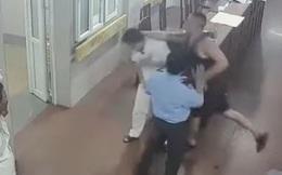 Vụ bác sĩ, điều dưỡng bị nhóm người đánh, bóp cổ: Chỉ phạt hành chính những người liên quan?