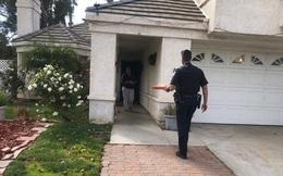 Đặt bánh pizza, mở cửa lấy đồ thì anh shipper lại là cảnh sát, khách hàng run cầm cập cho đến khi biết câu chuyện như phim đằng sau