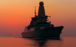 """Tàu khu trục tối tân của Anh áp sát, Crimea """"dậy sóng"""", Moscow và London sắp đại chiến?"""