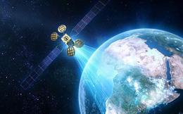 Một vệ tinh có khả năng nhìn xuyên nhà cửa dù ngày hay đêm đang hiện hữu trên đầu chúng ta