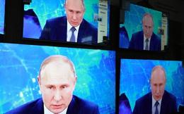 """Giới tinh hoa Nga lại """"đứng ngồi không yên"""": Chuyên gia nói về 1 viễn cảnh ông Putin không mong muốn"""
