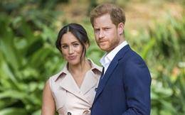 """Lo ngại vợ chồng Hoàng tử Harry""""đánh đổi"""" bí mật Hoàng gia Anh trong bản hợp đồng mới"""