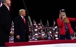Newsmax và Fox News đính chính thông tin về gian lận bầu cử Mỹ