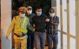 CSGT bắt đối tượng trốn truy nã giấu mình trên container