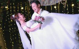 Quý Bình bế bổng vợ tại tiệc báo hỷ ở Phú Quốc và sự cố khó quên