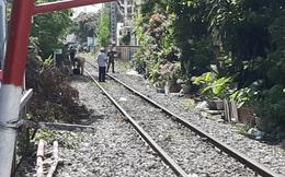 Phơi quần áo cạnh đường ray, một người phụ nữ bị tàu hỏa tông tử vong ở Sài Gòn