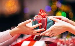 Những kiêng kỵ khi tặng quà Noel: Đừng tặng những thứ này nếu không muốn mất lòng người nhận