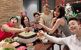 Hoàng Thuỳ Linh - Gil Lê cùng đón Noel sớm bên hội bạn, Jun Phạm tung ngay ảnh cả hai dính như sam