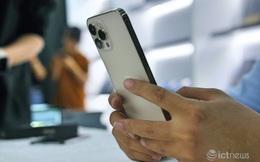 Hàng loạt smartphone xả kho, giá rẻ cuối năm