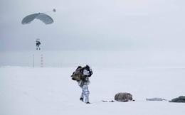 Lính dù Nga làm được điều chưa từng có ở Bắc Cực