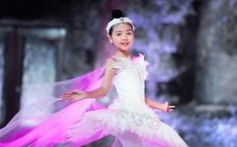 Mẫu nhí Minh Anh múa ballet trên sàn runway