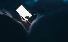 Sử dụng điện thoại thâu đêm, tắm đêm có gây đột quỵ? Chuyên gia trả lời và hướng dẫn cách phòng bệnh tốt nhất