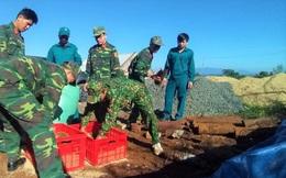 Đào móng xây nhà, tá hỏa phát hiện gần 1 tấn bom mìn