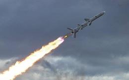 """Ukraine """"tố"""" Nga âm mưu đánh cắp siêu vũ khí có khả năng hủy diệt cầu Crimea: 11 """"điệp viên"""" bị bắt"""