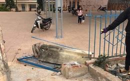 Vụ sập cổng trường khiến học sinh lớp 4 tử vong: Trường vừa xây rất khang trang nhưng chưa có kinh phí để xây cổng